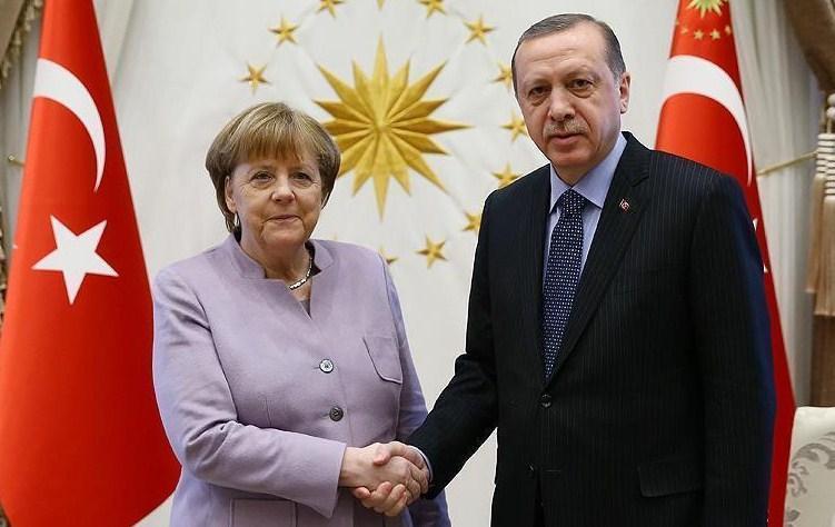 Merkel Ərdoğanın şərəfinə verilən ziyafətə getməyəcək: