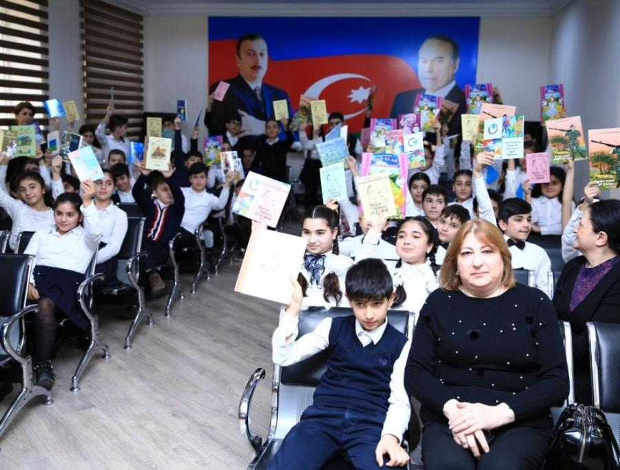 Картинки по запросу ADPU 14 Fevral- Beynəlxalq Kitab Bağışlama Günü münasibətilə tədbir keçirib