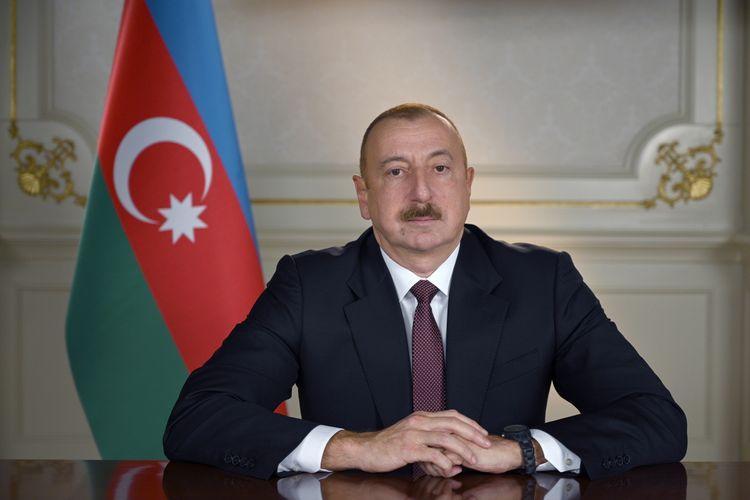 """Prezident: """"Ordumuz Madagizdə Azərbaycan bayrağını qaldırdı""""<b style=""""color:red""""></b>"""