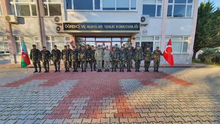 """Türkiyənin Müdafiə Nazirliyi Azərbaycana 10 minaaxtaran it hədiyyə edib<b style=""""color:red""""></b>"""