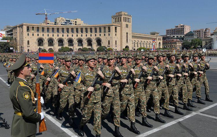 """Ermənistan ordusunun polkovniki rüşvətə görə tutulub<b style=""""color:red""""></b>"""