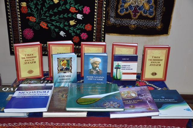 """Almaz Ülvinin """"Əlişir Nəvainin əsri və nəsri"""" kitabının təqdimatı olub<b style=""""color:red""""></b>"""
