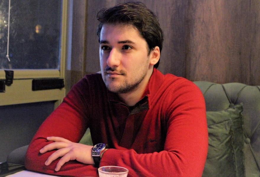 """""""Özümü kitablarla, musiqi ilə daha rahat ifadə edirəm"""" - <b style=""""color:red"""">Anar Rzayev</b>"""