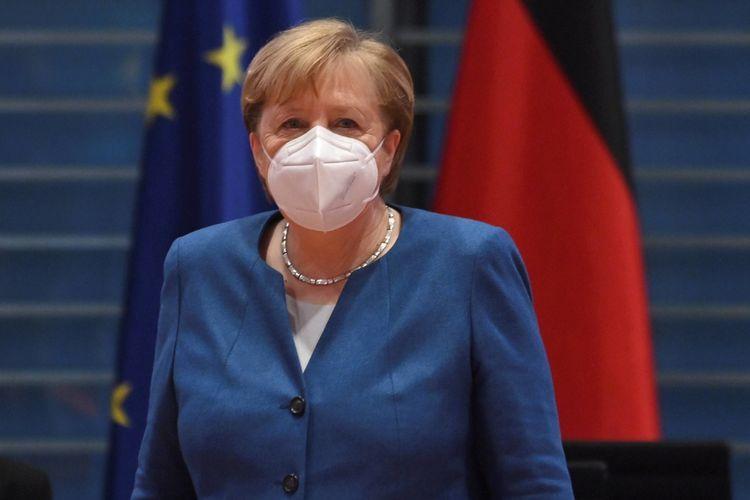 """Merkelə """"AstraZeneca"""" peyvəndi vurulub<b style=""""color:red""""></b>"""