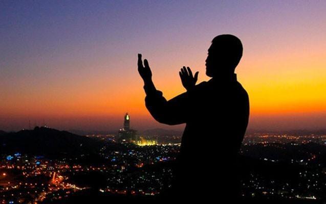 """Ramazanın 8-ci gününün duası: <b style=""""color:red""""> İmsak və iftar vaxtı</b>"""