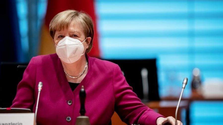 """Merkel almanlara minnətdarlığını bildirib<b style=""""color:red""""></b>"""