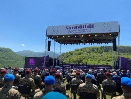 """«Xarıbülbül» musiqi festivalı keçirilir -<b style=""""color:red"""">Yenilənib</b>"""