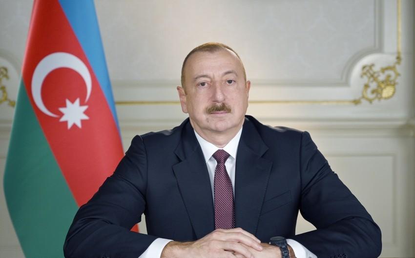 """Prezident İlham Əliyev günəş elektrik stansiyasının tikintisi müqaviləsini təsdiqləyib<b style=""""color:red""""></b>"""