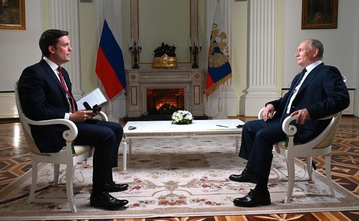 """""""Mənim ağzımı yummayın"""" - <b style=""""color:red""""> Putin xarici jurnalisti qınadı</b>"""