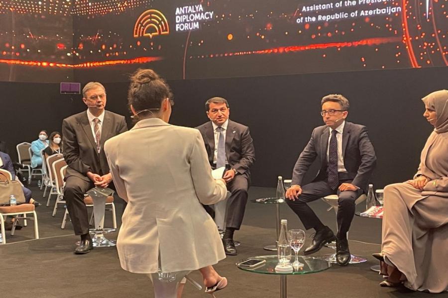 """Hikmət Hacıyev Antalya Diplomatiya Forumu çərçivəsində paneldə çıxış edib <b style=""""color:red""""></b>"""