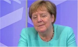 """Merkeli canlı yayımda yuxu tutdu - <b style=""""color:red""""> Video</b>"""