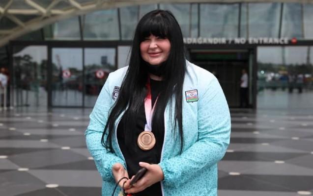 Tokio-2020-də bürünc medal qazanan idmançımız Bakıya gəldi - Foto