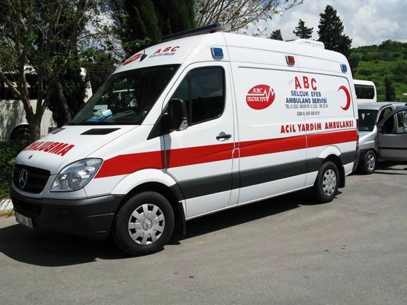 Türkiyədə turist avtobusu qəzaya uğrayıb, ölənlər var