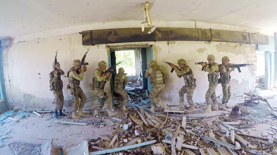 Ordumuzun xüsusi təyinatlı bölmələri ilə taktiki-xüsusi təlim keçirilib -  Foto/Video
