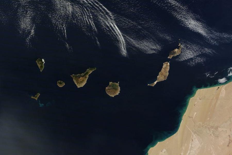 Kanar adalarında vulkan püskürməyə başlayıb
