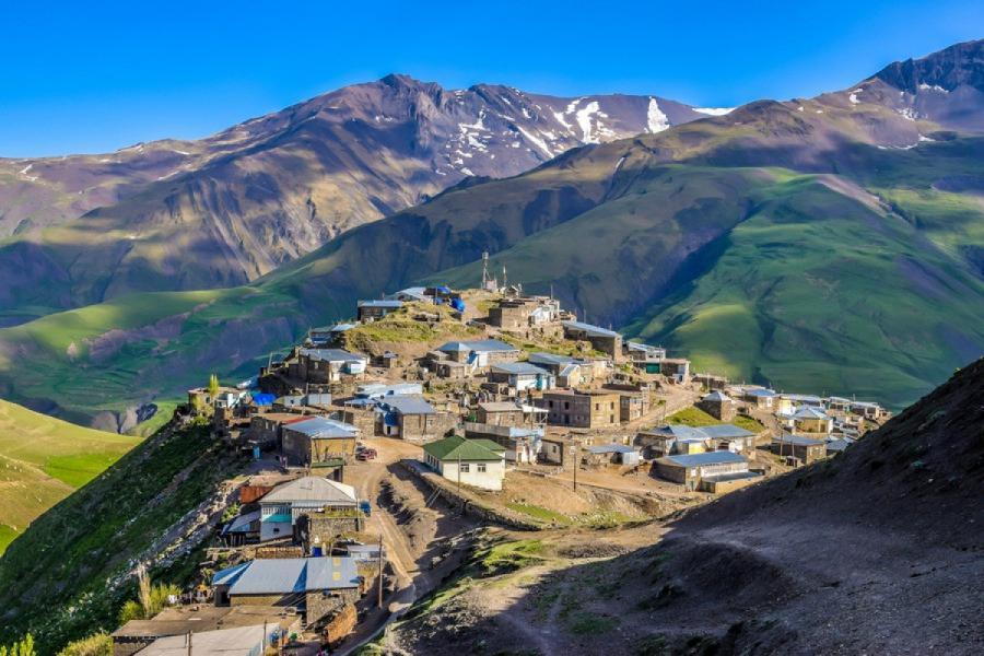 """Xınalıq dünyada """"Ən yaxşı turistik kənd"""" adına namizəddir"""