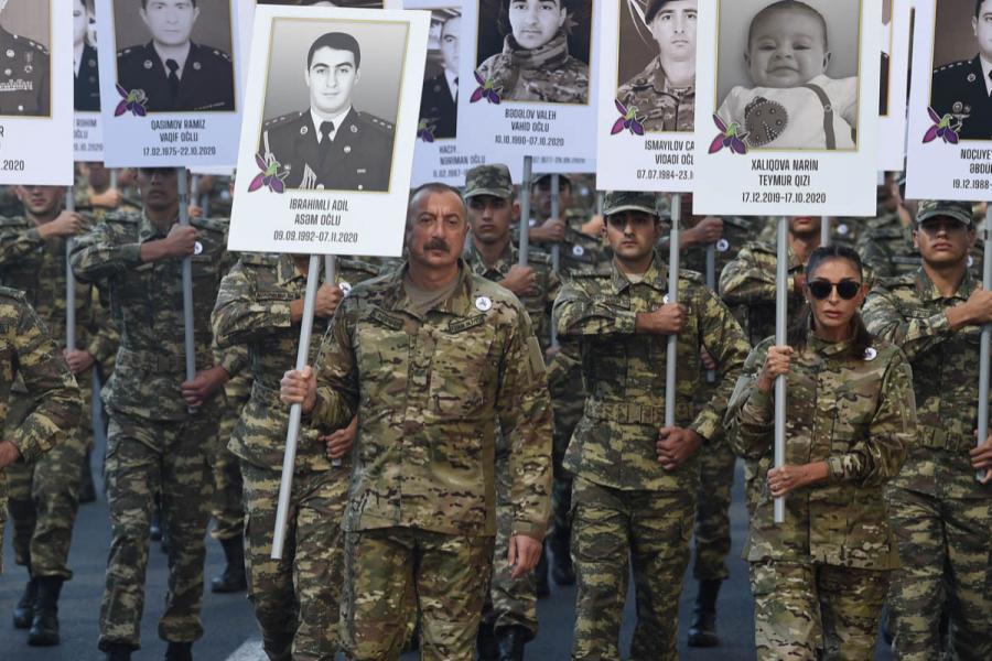 Prezident və xanımı şəhidlərin xatirəsinə təşkil edilmiş yürüşdə iştirak ediblər - Foto