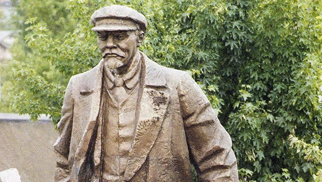 """Leninin heykəli söküləcək<b style=""""color:red""""></b>"""