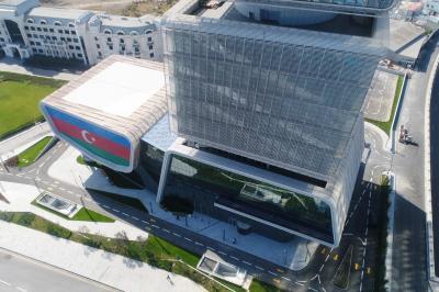 İlham Əliyev İqtisadiyyat Nazirliyinin yeni binasının açılışında - Yenilənib